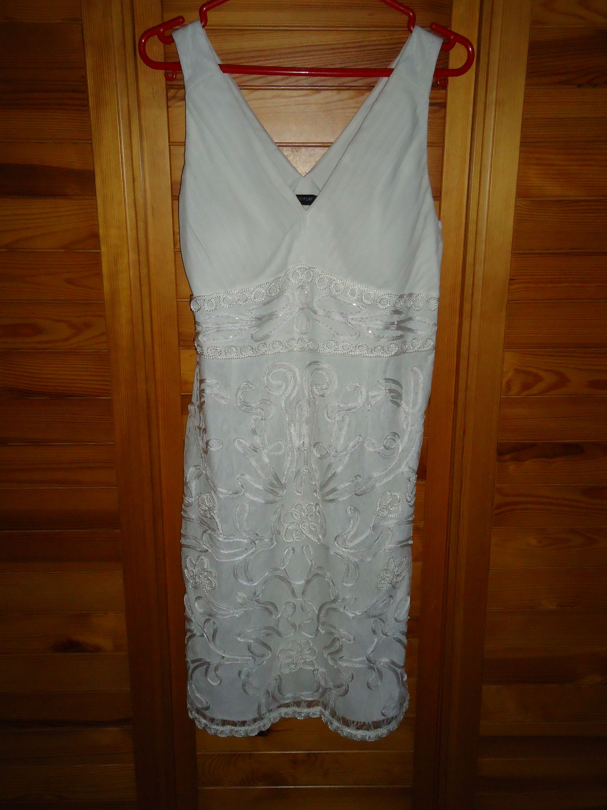 Inzerce šaty a kostýmy bazar  4f73fa9c79