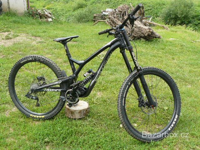 Kolo-COMMENCAL SUPREME DH V4.2 ESSENTIAL 650B BLACK 2017