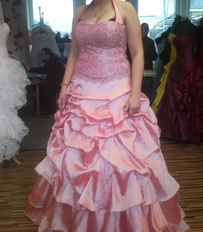 Inzerce šaty a kostýmy bazar  4db0674d58c