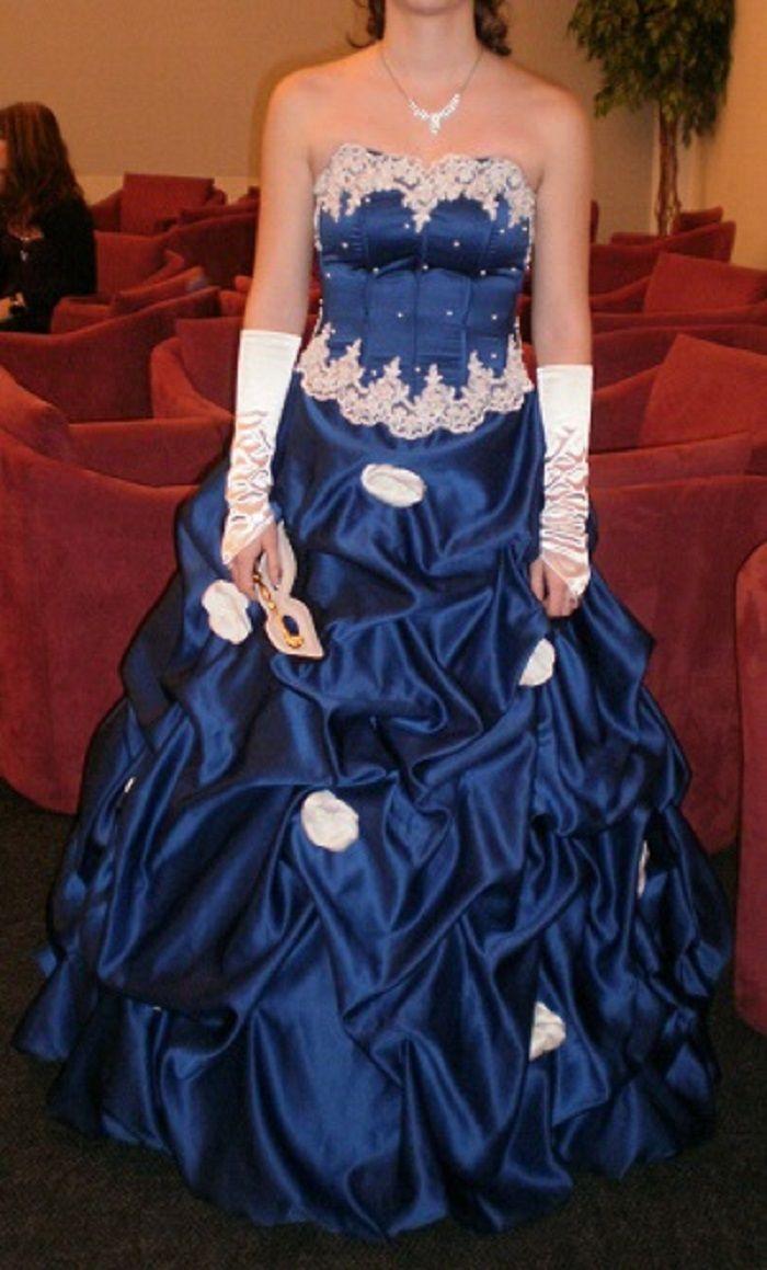 Inzerce šaty a kostýmy bazar  74d63aa890